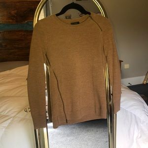 Brown sweater with zipper accents